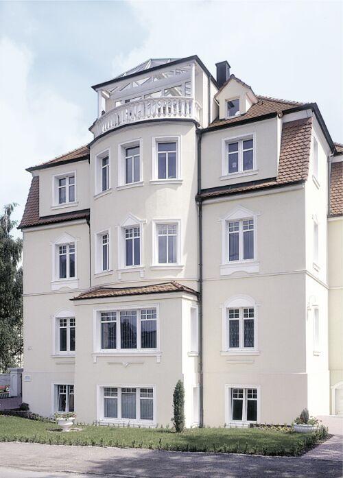 Dom z oknami z pcw
