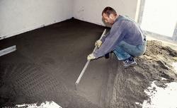 Podłoga na gruncie ocieplona wełną mineralną. Zasady budowy i izolacji termicznej podłóg