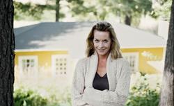 Elewacja domu pod czujnym okiem kobiet - RAPORT. Co wybierają panie: tynk, kamień czy drewno elewacyjne?