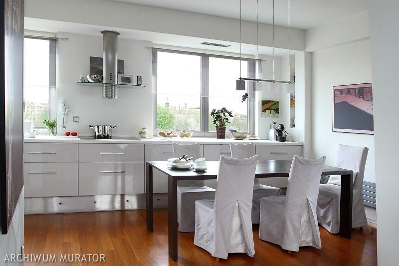 Galeria zdj nowoczesna kuchnia na wysoki po ysk for Kuchnia z salonem aranzacje