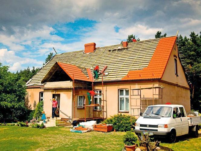 Cięźkie pokrycie z dachówek ceramicznych