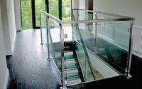 Stalowa konstrukcja i wypełnienie ze szkła