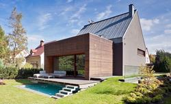 Sposób na powiększenie domu - rozbudowa części dziennej