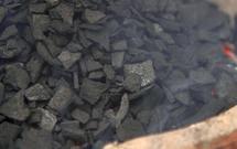 Jakim węglem palić w piecu? To warto wiedzieć przed pójściem do składu