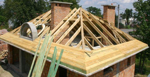 Sztywne poszycie dachu