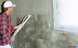 Jaki tynk wewnętrzny wybrać na ściany jednowarstwowe w domu